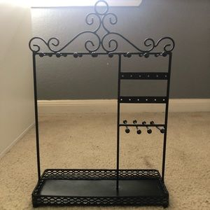 black jewelry organizer